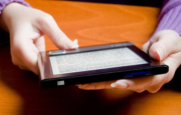 Picture text, hands, Tablet, eReader