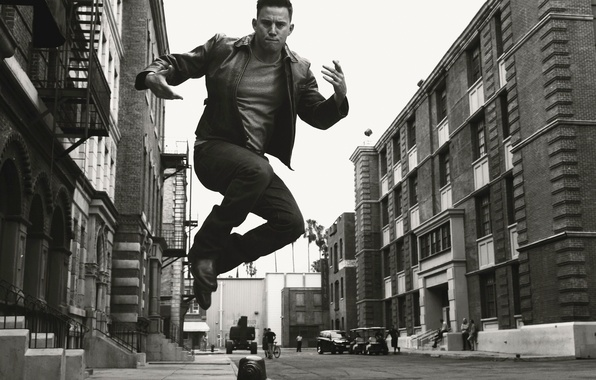 Picture photo, jump, street, home, frame, actor, black and white, Channing Tatum, Channing Tatum, Norman Jean …
