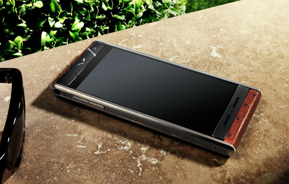Picture glasses, style, smartphone, Vertu Aster