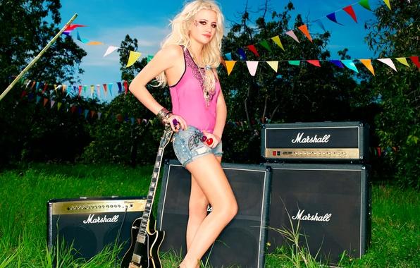 Picture guitar, singer, pop, Pixie Lott, Pixie Lott, electro-pop, Victoria Louise Lott, Lipsy