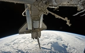 Picture STATION, CLOUDS, PLANET, SHUTTLE, SURFACE, DOCKING