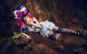 Picture girl, hat, doll, skeleton, Asian, cylinder, clown