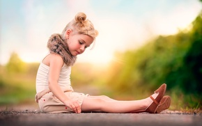 Picture girl, fur, hairstyle, child photography, Lost in Thought