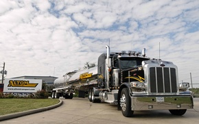 Picture the sky, clouds, tanker, peterbilt 389, altom