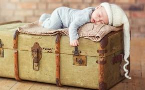 Wallpaper chest, child, sleep