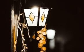 Picture winter, glass, macro, light, lights, lamp, yellow, lantern, garland, holidays, bokeh
