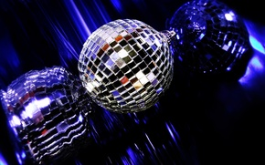 Picture reflection, music, ball, disco