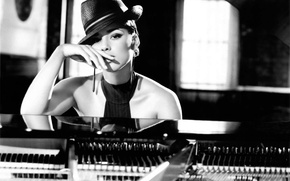 Picture hat, piano, singer, Alicia Keys