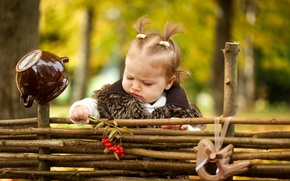 Picture autumn, child, girl, fur, girls, little, Rowan, autumn, child, Little, fur