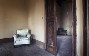 Picture room, chair, door