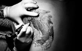 Picture tattoo, gloves, fingers, tattooist