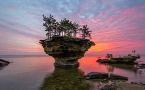 Picture USA, lake Huron, Michigan, rock Turnip Rock