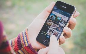 Picture hands, phone, instagram