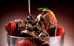 Wallpaper the sweetness, dessert, sweet, dessert, chocolate-covered strawberries, chocolate-covered strawberries, a trickle of chocolate, a stream ...