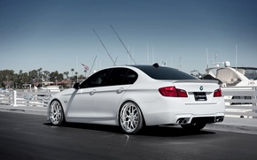 Picture BMW, yachts, BMW, pier, white, white, the rear part, F10, 5 Series