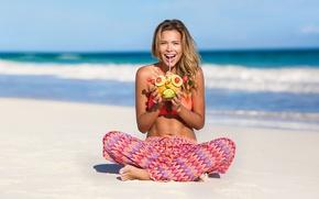 Picture beach, summer, girl, joy, fun, Sandra Kubicka