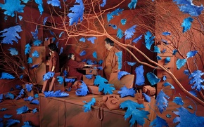 Picture Sandy Skoglund, obsessions, blue leaves, brown room