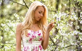 Picture girl, face, sweetheart, portrait, spring, dress, the beauty, flowering, landing, young, flowers, beauty, russian, sunlight, ...