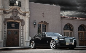 Picture the sky, clouds, black, the building, Windows, Rolls-Royce, the door, Ghost, black, rolls Royce, the …