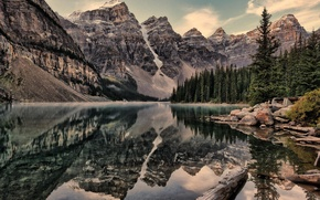 Picture forest, snow, mountains, Canada, the lake. nature
