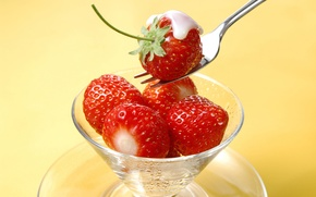 Wallpaper plug, strawberry, glass