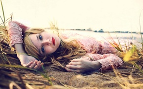 Picture Beach, Girls, Wallpaper, Eyes, Blonde, Sand, Background, Lips, Seductive, Moods, Resting