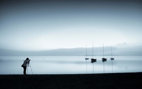 Picture lake, boats, photographer