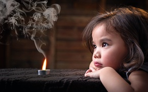 Picture smoke, candle, girl