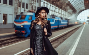 Picture girl, station, the platform, waiting