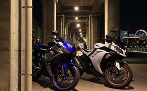 Picture the city, Kawasaki, Yamaha, motorbike