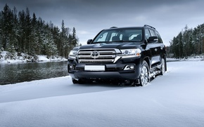 Picture Toyota, first, Land, 200, Cruiser, inRussia, the test drives