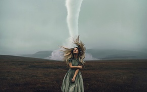 Picture girl, tornado, Rosie Hardy