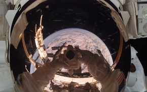 Picture reflection, earth, planet, astronaut