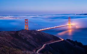 Picture lights, fog, the evening, San Francisco, USA, the Golden Gate bridge