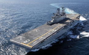 Picture the ocean, deck, the course, LHD8, UDC, USS Makin Island