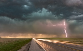 Picture road, clouds, lightning