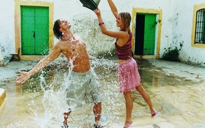 Picture GIRL, WATER, DROPS, SQUIRT, SMILE, BUCKET, GUY, LAUGHTER