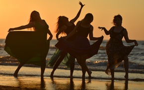 Picture sea, summer, sunset, girls, dancing