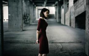 Picture figure, dress, profile, Inna Mosina