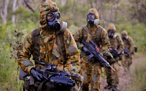 Picture forest, rain, soldiers, gas mask, camouflage, rifle, equipment, Stroy, automatic, Steyr AUG
