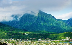 Picture mountains, the city, home, Hawaii, USA