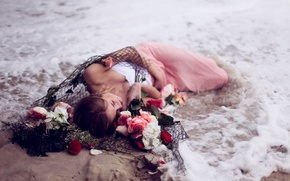 Picture sea, girl, flowers, network, the situation