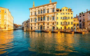 Picture water, home, boats, Italy, Venice, channel, Sunny, piles