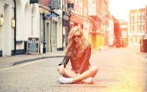 Picture girl, street, sneakers, glasses, jacket, blonde, girl, model
