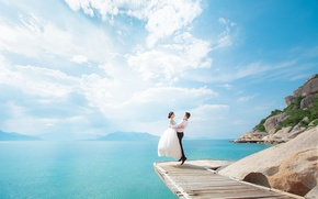 Picture the sky, the sun, Islands, clouds, jump, bouquet, pair, the bride, wedding, the groom, sea, …