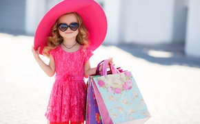 Picture hat, dress, glasses, girl