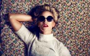 Picture Model, Beauty, Blonde, Fashion, Lipstick, Lounge, Editorial, Era, Fuzzy, Goodvibe, Sunglsases, Floral