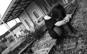 Picture sadness, grey sky, train station, black&white, black clothes, black tights, sad girl