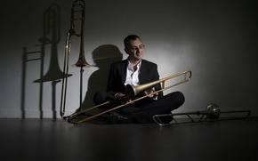 Picture music, people, Trombones
