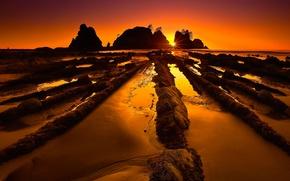 Picture sea, beach, the sun, stones, rocks